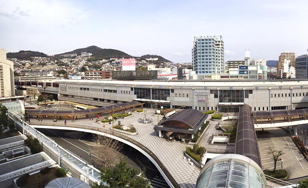 川西能勢口駅周辺の様子